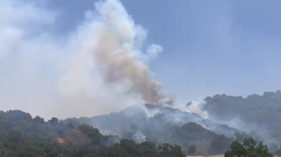 More than 800 CA Firefighters Hold Wildfire to...